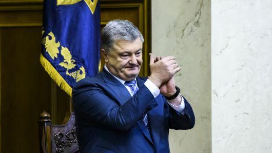 Tổng thống Ukraine cảnh báo Nga sẽ phải trả giá đắt nếu đụng vào họ