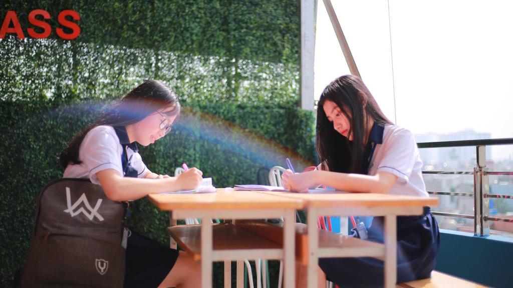 Học phổ thông trong trường đại học công lập: Xu hướng lựa chọn của phụ huynh và học sinh sau THCS