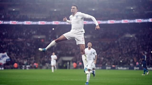 Đội tuyển Anh giành chiến thắng trong trận đấu tri ân Wayne Rooney