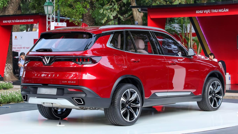 VinFast Lux SA2.0 - xe 7 chỗ giá ưu đãi giai đoạn đầu trên 1,1 tỉ