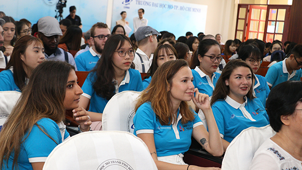 Trường ĐH Mở TP HCM khai giảng khoá 2 chương trình liên kết quốc tế