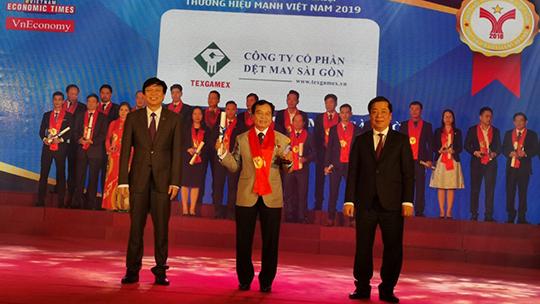 Trường ĐH Nguyễn Tất Thành nhận giải thưởng Thương hiệu mạnh