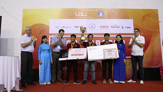 Sinh viên ĐH Nguyễn Tất Thành vô địch cuộc thi VGU Robocon 2019