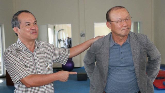 Bầu Đức không muốn nói chuyện tiền bạc trong việc trả lương cho HLV tuyển quốc gia Park hang-seo
