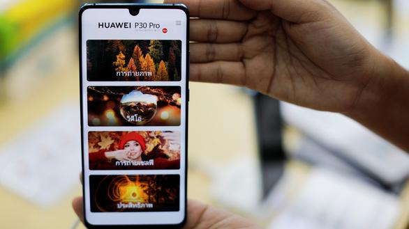 Bị Google nghỉ chơi, Huawei tìm đến hệ diều hành của Nga