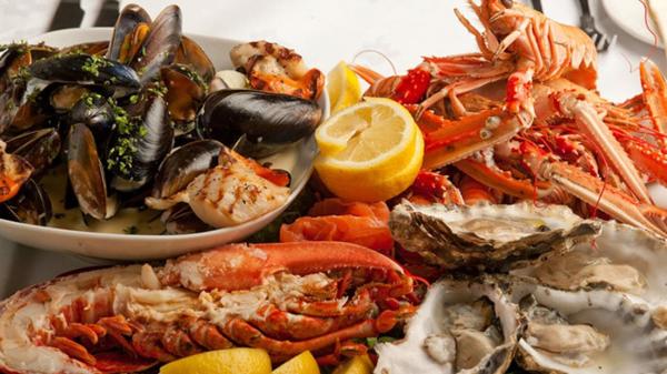 Những người thích ăn hải sản cần tránh những sai lầm này