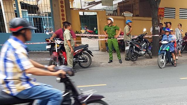 Nhóm người chém gần lìa tay người đàn ông ở Sài Gòn là ai?