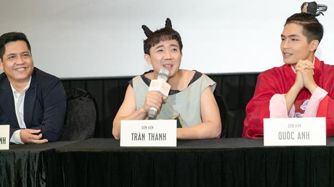Trấn Thành hóa thân bất ngờ với vai Xẩm trong phim Trạng Quỳnh