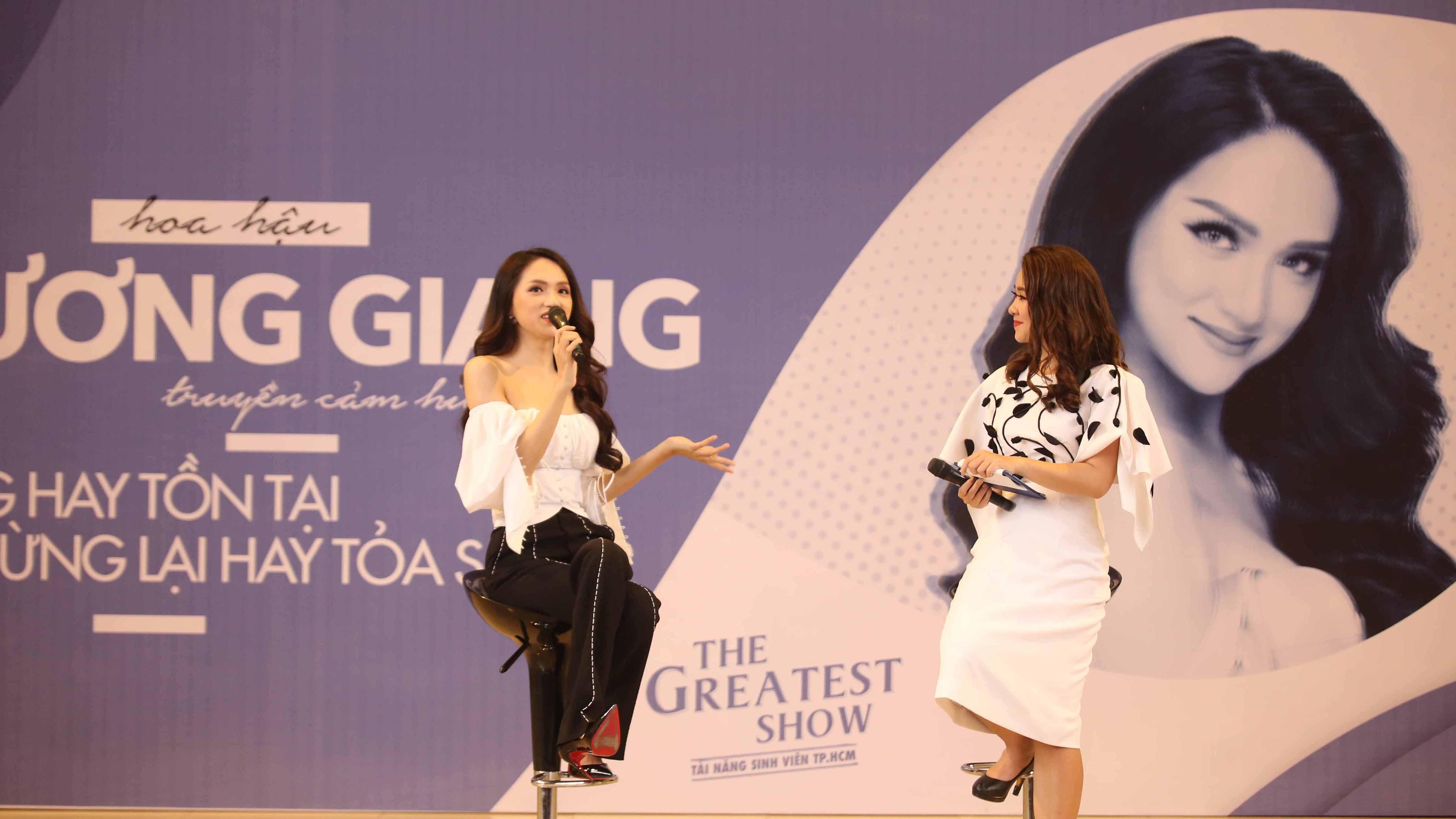 Hoa hậu Hương Giang xinh tươi gợi cảm trong buổi truyền cảm hứng tại The Greatest Show 2018