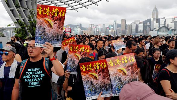 Người Hong Kong biểu tình nhắm vào du khách Trung Quốc