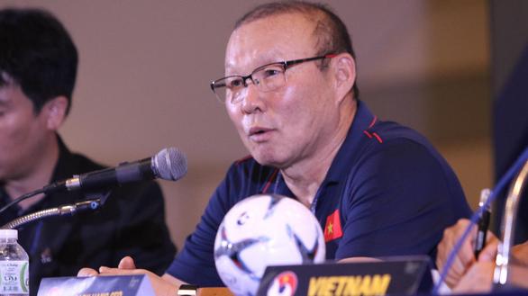Ông Park sợ người hâm mộ Việt Nam hiểu lầm chuyện lương bổng