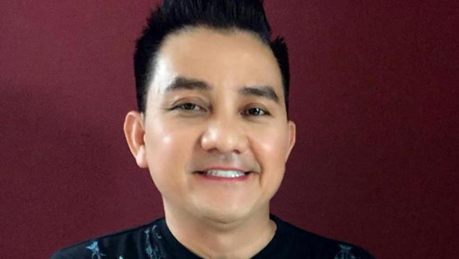 Nghệ sĩ hài Anh Vũ đột ngột qua đời khi đi lưu diễn tại Mỹ
