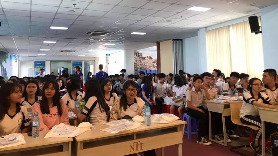 Hơn 1.300 học sinh TP HCM trải nghiệm môi trường ĐH