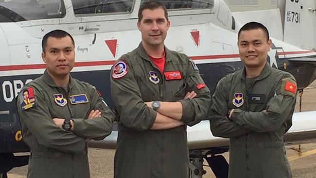 Phi công quân sự Việt Nam đầu tiên sắp hoàn thành khóa huấn luyện ở Mỹ