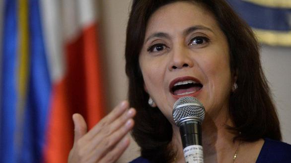 Dân Philippines đang sợ tổng thống Duterte 'bán mình' cho Trung Quốc