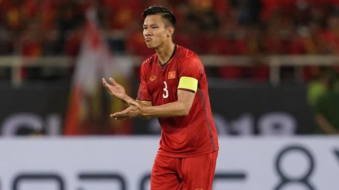 Quế Ngọc Hải chấn thương, NHM Việt Nam lo lắng trước chung kết lượt về