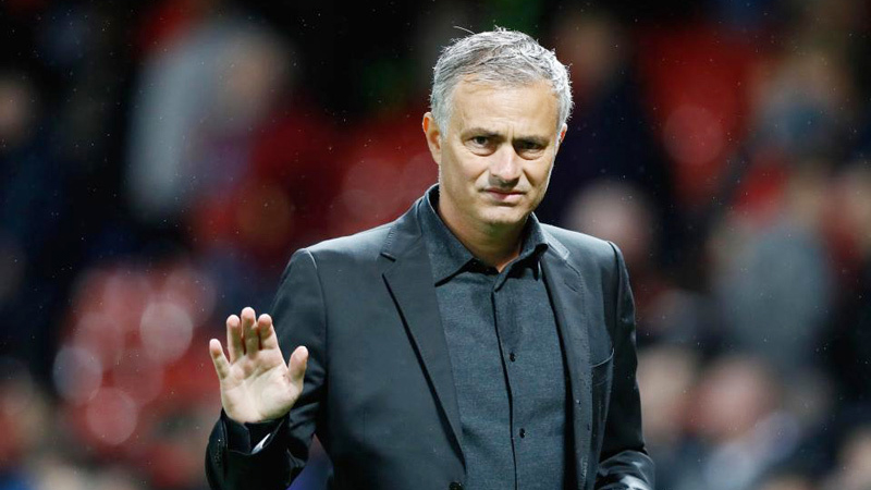 Mourinho bị sa thải trước giáng sinh