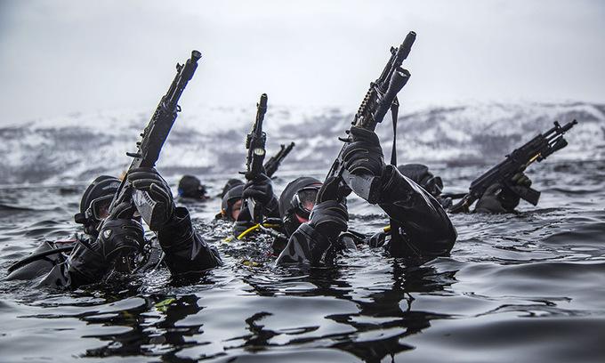 Cuộc diễn tập chống khủng bố tại Bắc Cực của đặc nhiệm Nga