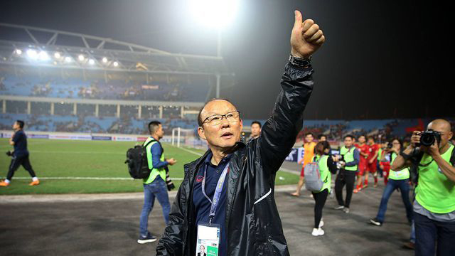 HLV muốn đá vòng loại World Cup trên sân Thống Nhất nhưng bị VFF từ chối