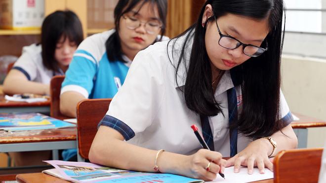 TS Lê Trường Tùng: Những nút thắt cần gỡ cho thi cử cuối cấp THPT