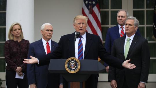 Tổng thống Trump dọa đóng cửa chính phủ nhiều năm
