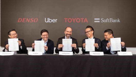 Uber công bố nhận được khoản đầu tư 1 tỷ USD từ Toyota và Softbank