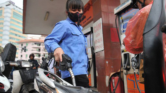 Xăng dầu giảm giá đêm giao thừa