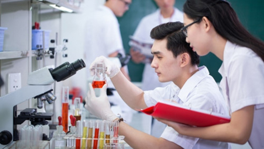 Trường ĐH Nguyễn Tất Thành mở ngành Kỹ thuật xét nghiệm y học
