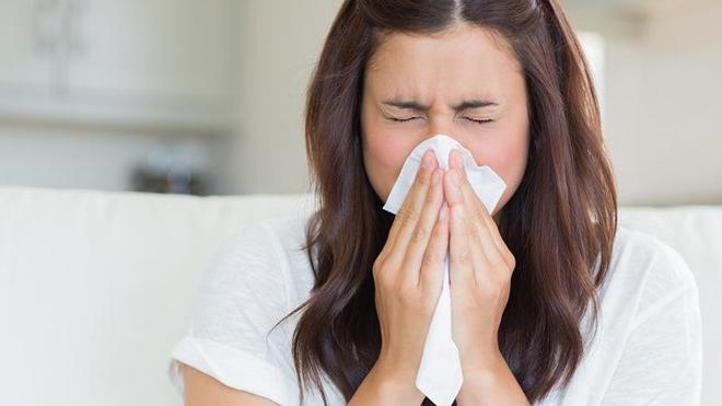 Xì mũi sai cách có thể gây viêm xoang, thủng màng nhĩ, vỡ thực quản
